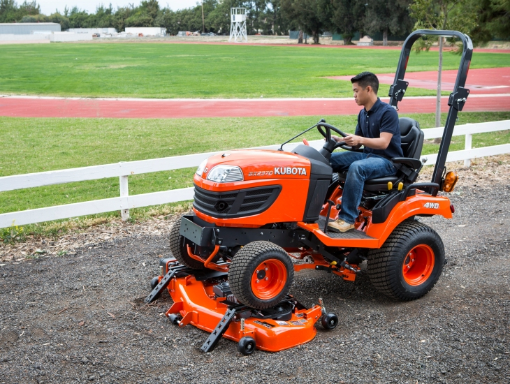 Kubota Belly Mower Decks : Attaching and removing kubota s easy over mower deck